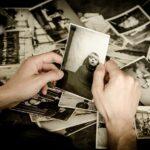 遺品の写真が捨てられない人